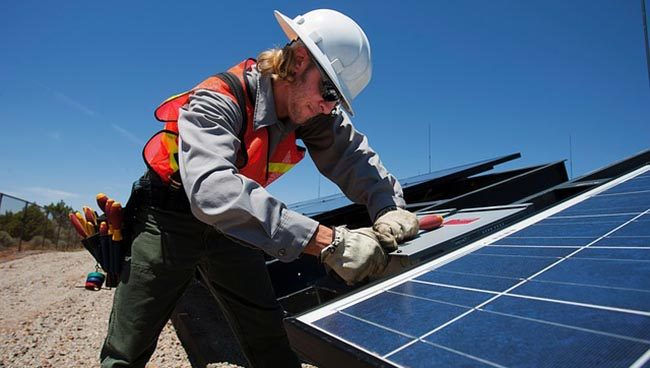 Becoming a Solar Panel Installer